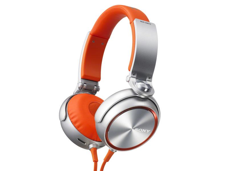 「MDR-XB610」のオレンジモデル