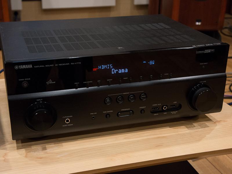 従来モデル「RX-V773」。外観にほぼ違いはない