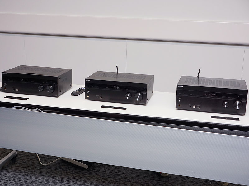 右から「STR-DN1040」、「STR-DN840」、「STR-DH740」