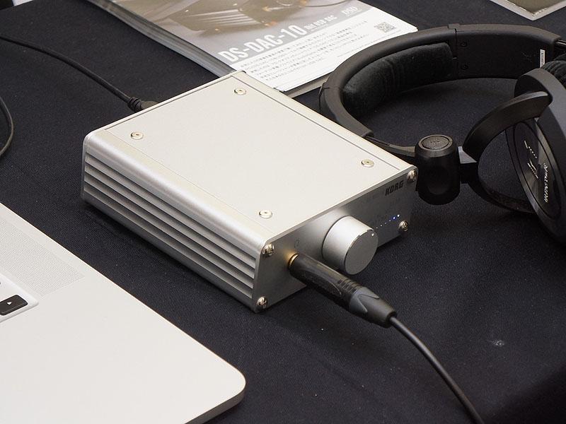 コルグのブースでは、DSD再生に対応したUSB DAC「DS-DAC-10」の新色シルバー(DS-DAC-10-SV)を展示。5月上旬発売で、実売5万円前後