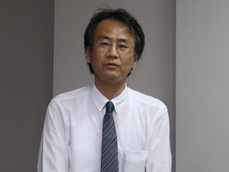 次世代スマートテレビ推進センターについて説明した、IPTVフォーラム 規格検討会議主任の今泉浩幸氏