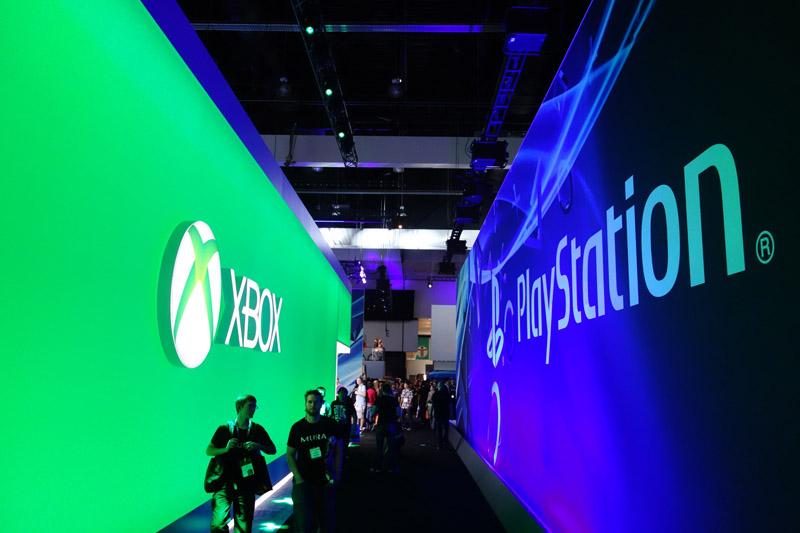 E3の、XboxとPlayStationのブース