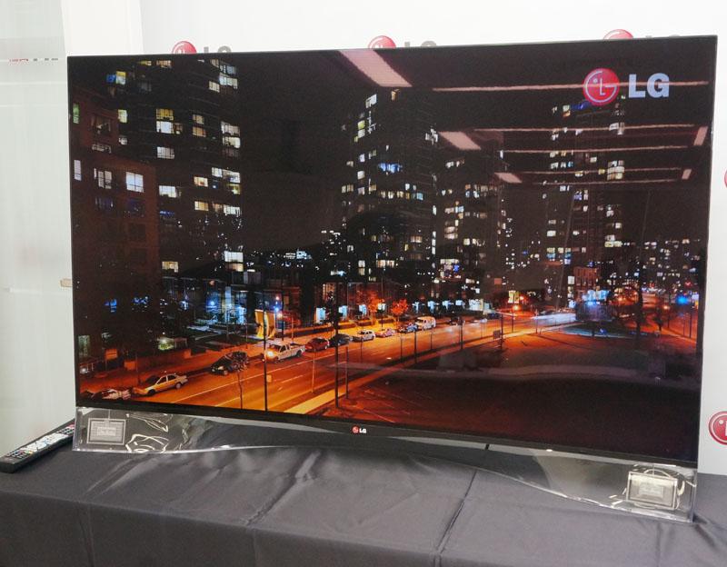LGの55型曲面有機ELテレビにピエゾフィルムスピーカーを搭載