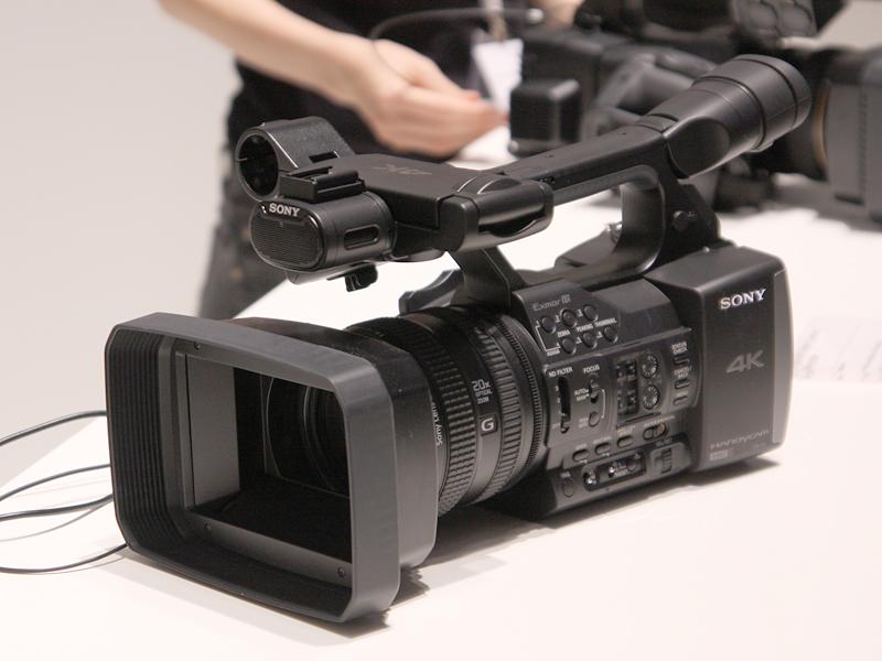 4K対応ハンディカム「FDR-AX1」
