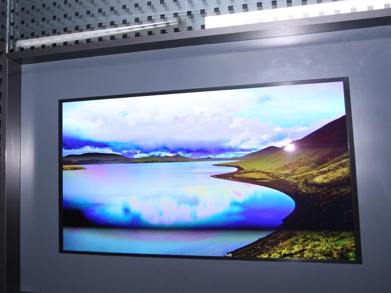 55型/4Kでフラット型の有機ELテレビ