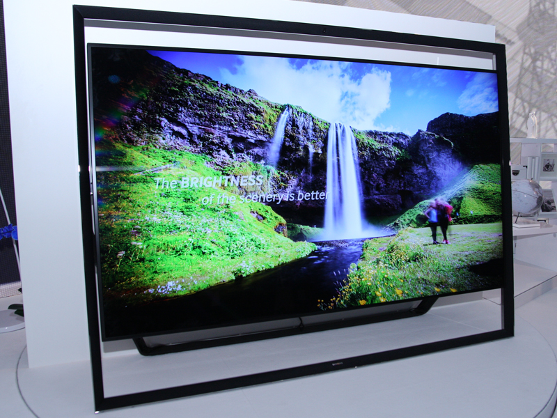 110型4K液晶テレビ