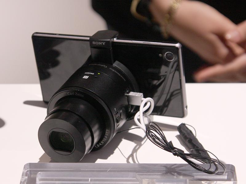 レンズカメラ「DSC-QX100」