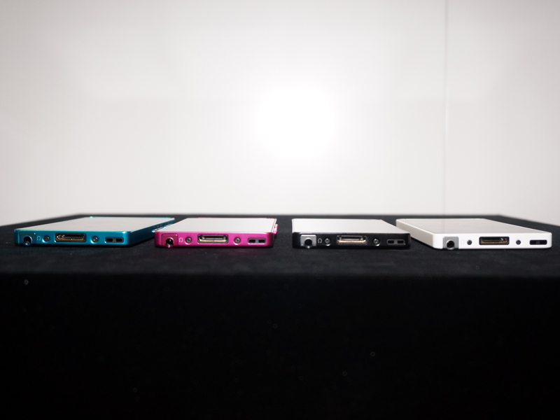 NW-F880シリーズ。ブラック、ホワイト、ブルー、ビビッドピンクの4色で展開