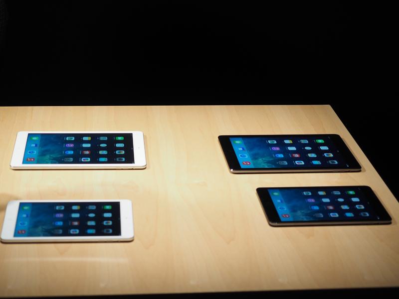 写真の上2台がiPad Air、下2台がiPad mini