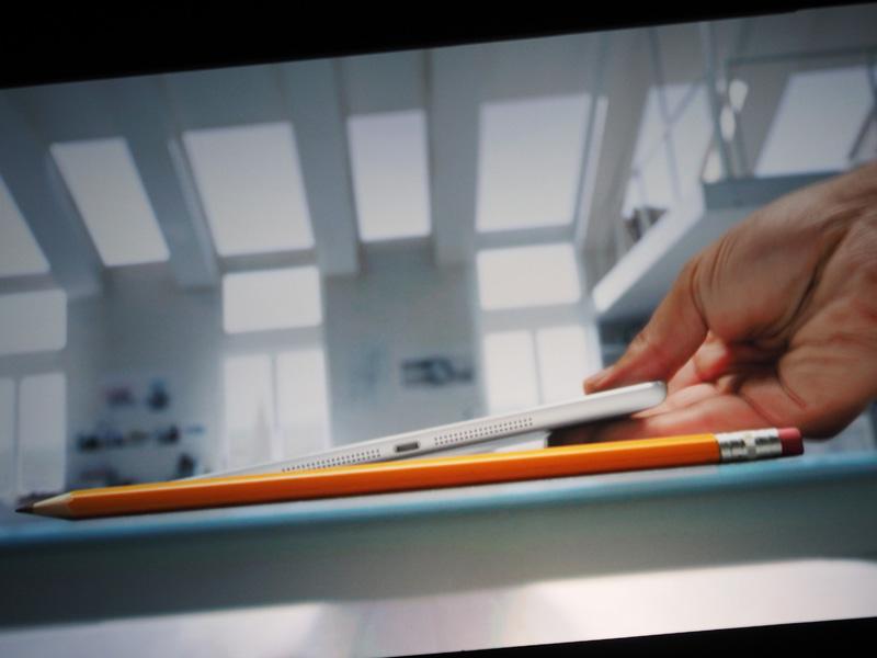 iPad Airの薄さなどアピールするCMも上映された