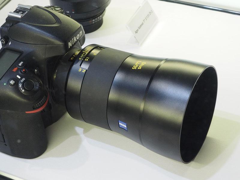 カールツァイスは、35mmフルサイズ用の「Otus 1.4/55」などを展示