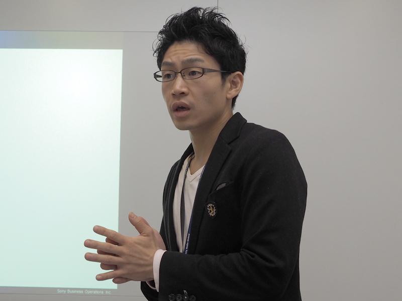 DSEE HX導入の背景について説明したソニーの企画マーケティング部門 Sound商品企画部 小野木康裕氏