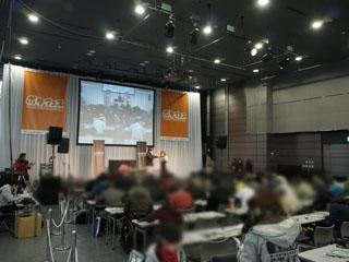 イベントステージでは、ライブやケーブル自作講座、新製品発表などが行なわれている