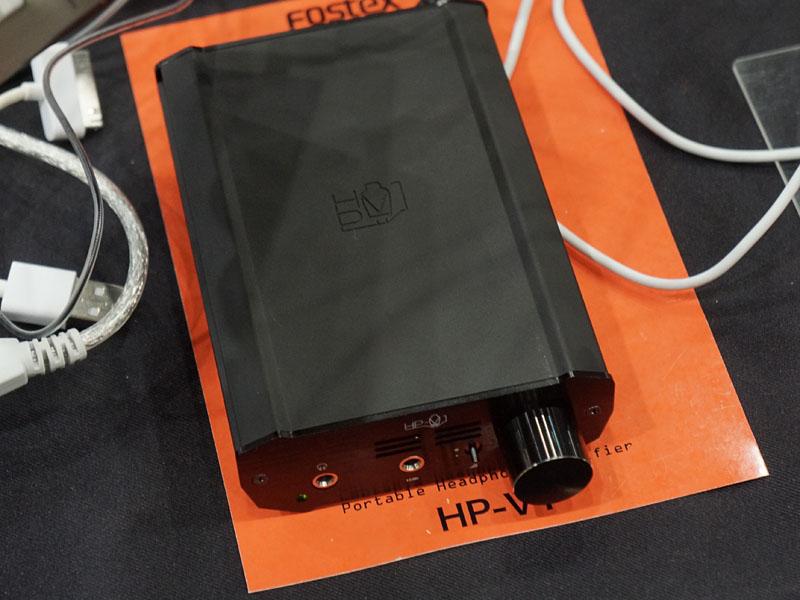 真空管採用のポータブルヘッドフォンアンプ「HP-V1」