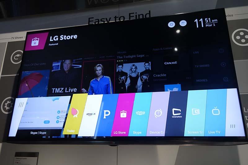 LGが展示した、webOS採用による新しいスマートTV。機能面では大きな差はないが、動作の快適さやなめらかさは一見に値する。