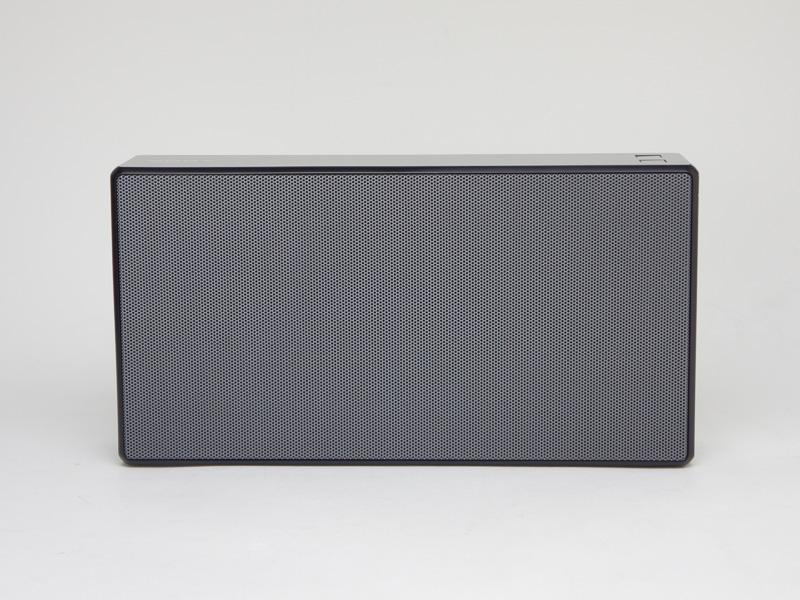 「SRS-X5」ブラックモデルの正面