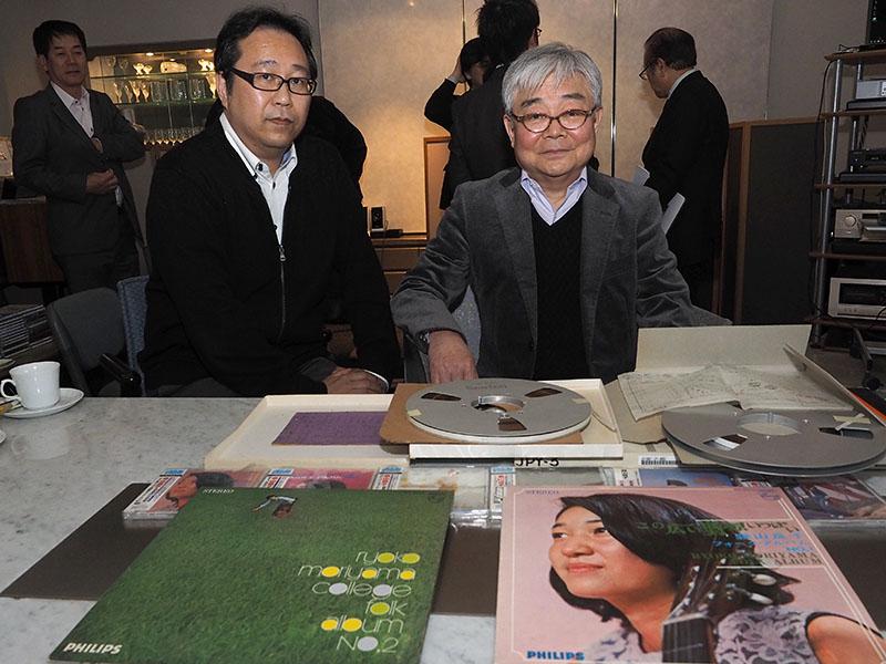 マスターテープを提供したシンコーミュージック・エンタテイメントの吉田聡志取締役(左)と、リマスタリングを担当した本城和治氏(右)