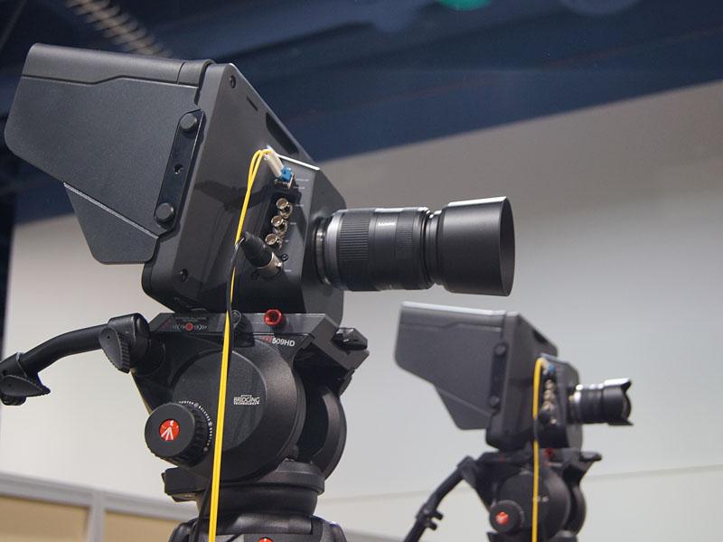 光ファイバーだけ接続されたBlackmagic Studio Cameraでライブ放送