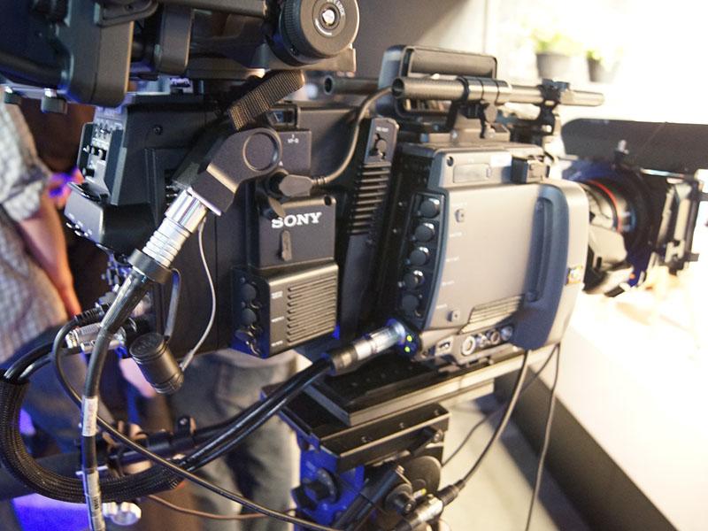 F65と「SKC-4065」のセットでライブカメラ化
