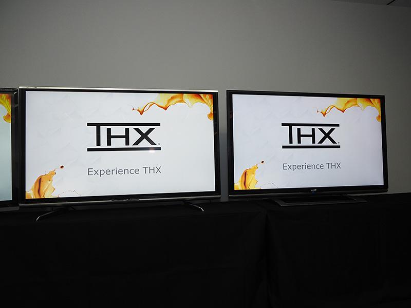 THXディスプレイ認証を取得した「LC-60XL10」(左)と「LC-60UD1」(右)