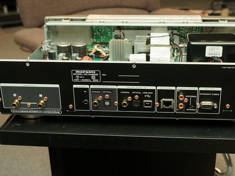 「NA8005」の背面端子部