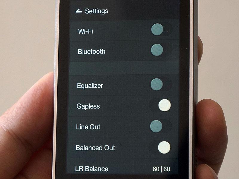 設定画面。無線LANやBluetoothといった項目も見える