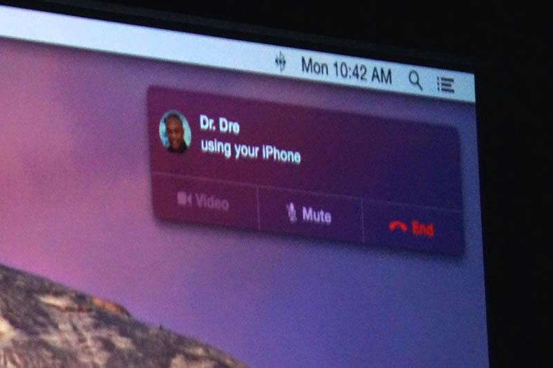 Handoff機能を使い、MacからiPhone経由で電話機能が利用可能に。デモでは、Dr.Dreに壇上から実際に電話をかけた。