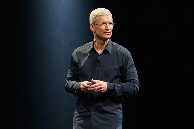 アップルのティム・クックCEO。今回は要所要所で数字と戦略を語る、アンカーマンのような形で基調講演を進めた