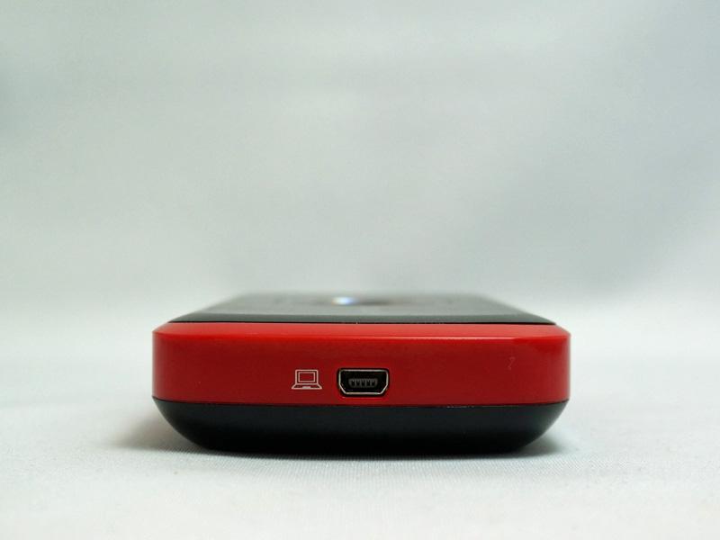 電源供給およびPC接続用のMini USBポート