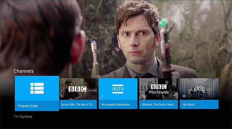 Android TVでのテレビ再生画面。入力されるチャンネルやコンテンツは統合して表示される