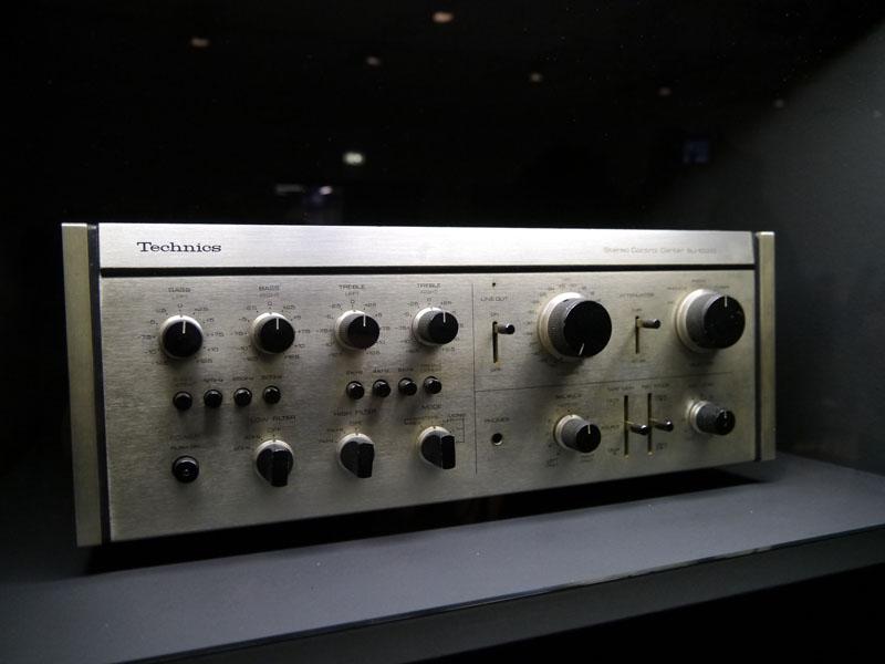 プリアンプのSU-10000