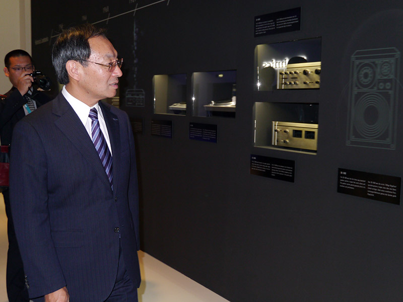 歴代のTechnics商品の展示を見る