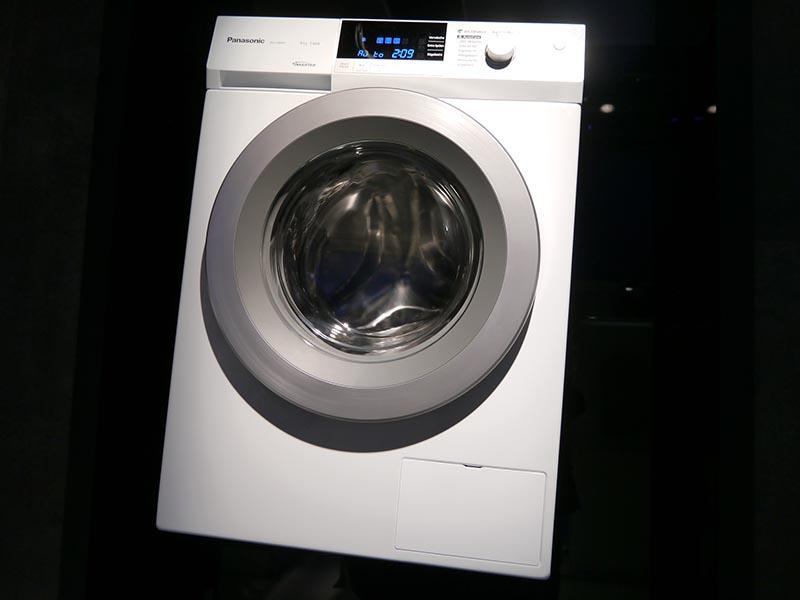 ゴレーネと共同開発した洗濯機。津賀社長が評価する商品のひとつ