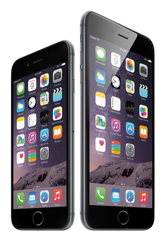iPhone 6(左)とiPhone 6 Plus(右)
