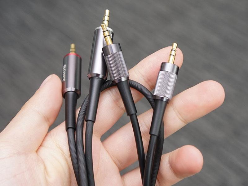 標準のバランス接続ケーブル