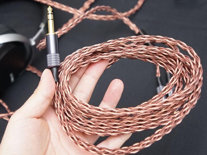 Braid構造(8本)と呼ばれる、KIMBER KABLE独自の編み構造を採用