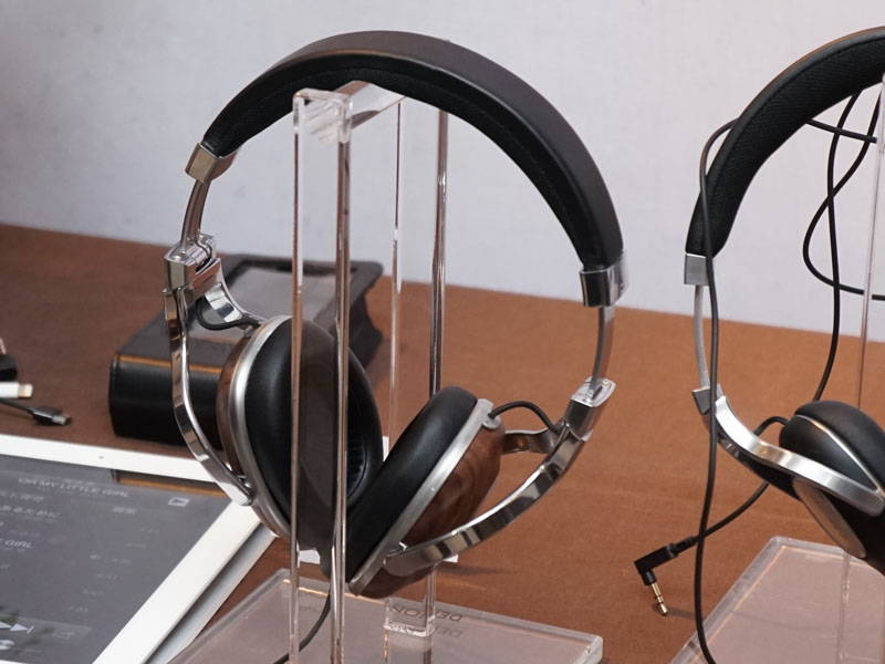 アラウンドイヤータイプの「AH-MM400」など、MUSIC MANIACシリーズの新ヘッドフォンも体験可能