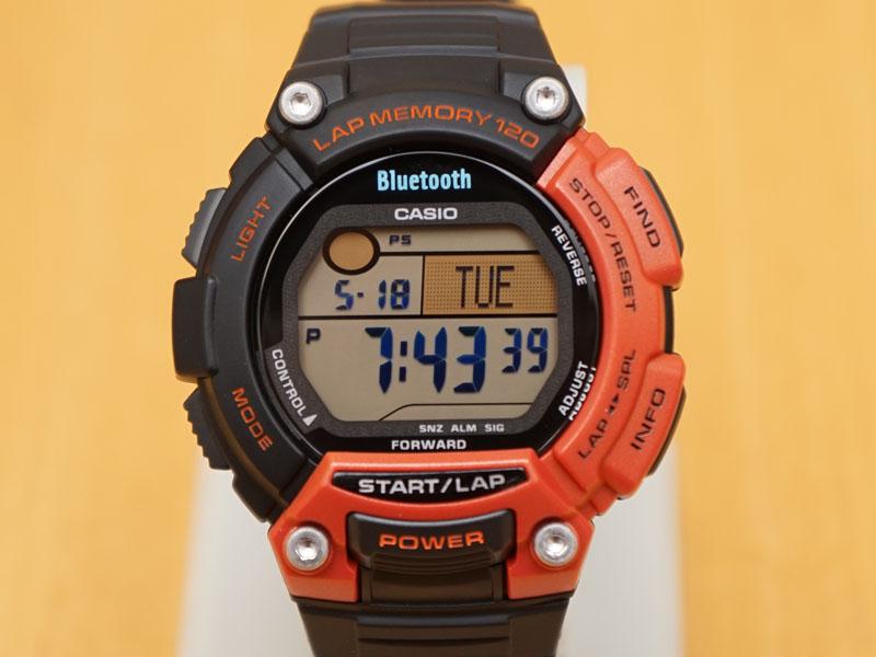 軽量でG-SHOCKよりは比較的コンパクトなデジタル時計となっている