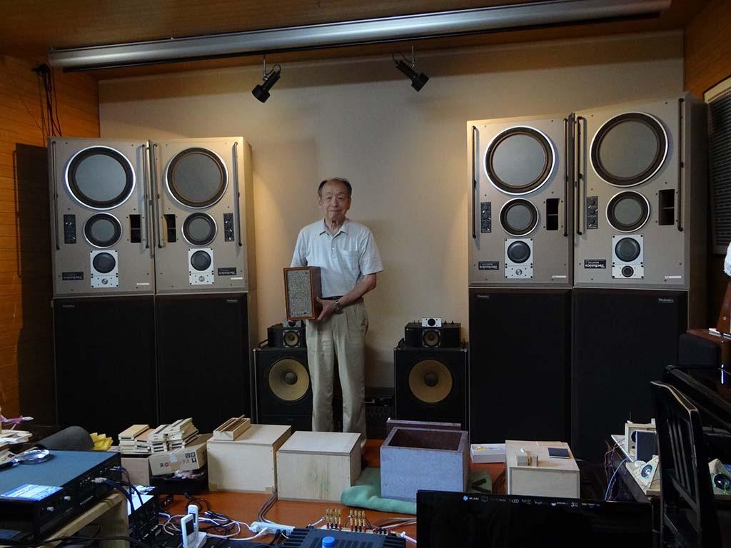 石井伸一郎氏のご自宅兼研究室(リスニングルーム)でお話しを伺った