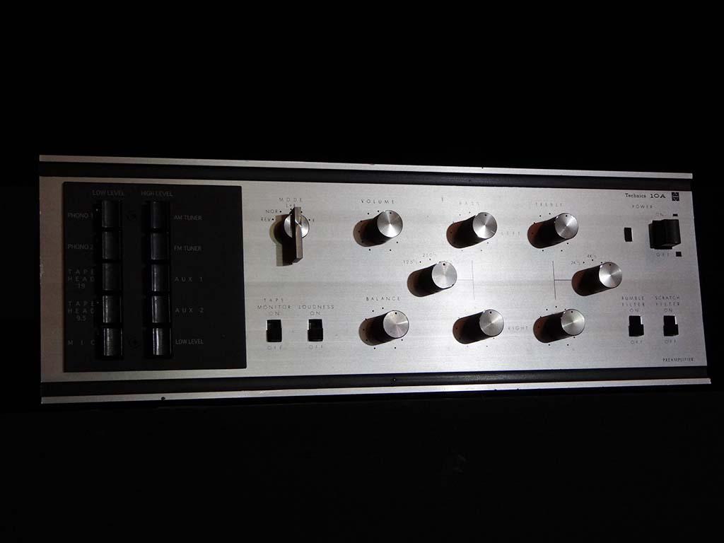プリアンプの「Technics 10A」。写真は9月のTechnics国内発表会で展示されたもの