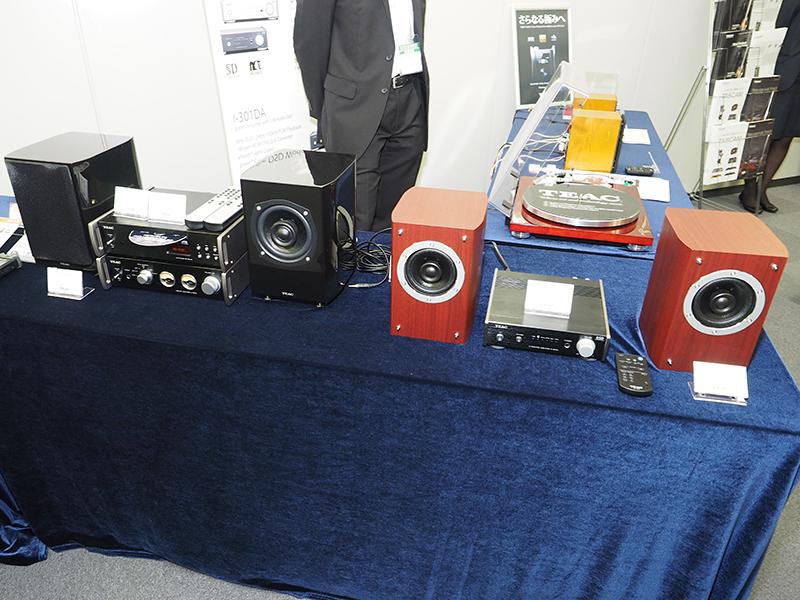 その他にも、同社のUSB DAC/プリメインアンプや、根強い人気のダブルカセットデッキ、Wi-Fi対応PCMレコーダなどを展示していた