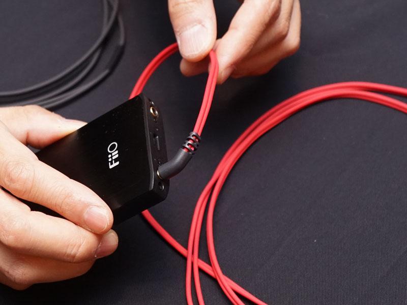 新導体「102 SSC」を使ったヘッドフォン/イヤフォン向けのリケーブル「HPC-MX」