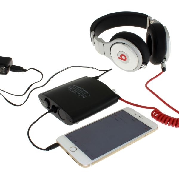 iPhoneやヘッドフォンとの接続例