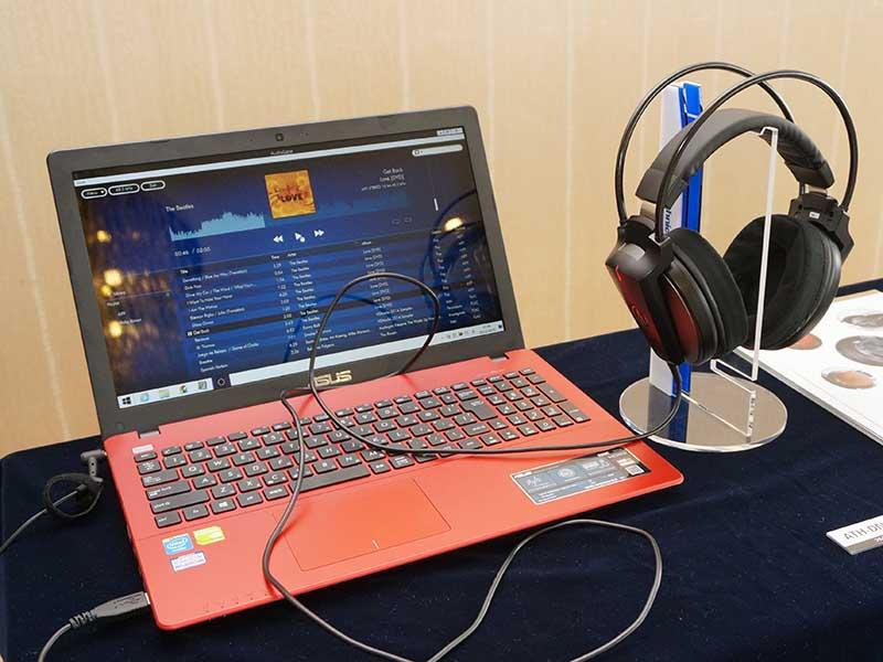 「秋のヘッドフォン祭 2014」のオーディオテクニカブース。Audio Gate 3.0との組み合わせで提案されていた