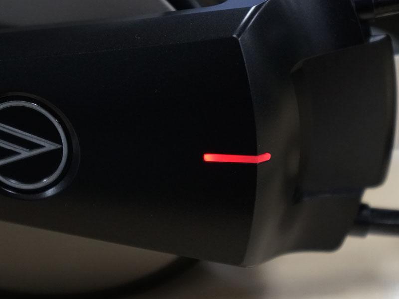 ハウジングのインジケーターの色で再生しているデータの種類がわかる