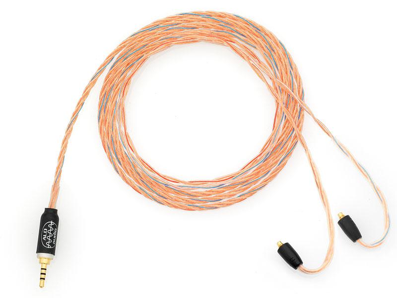 イヤフォン側はMMCX、プレーヤー側の端子は2.5mm 4極のバランス端子のモデル