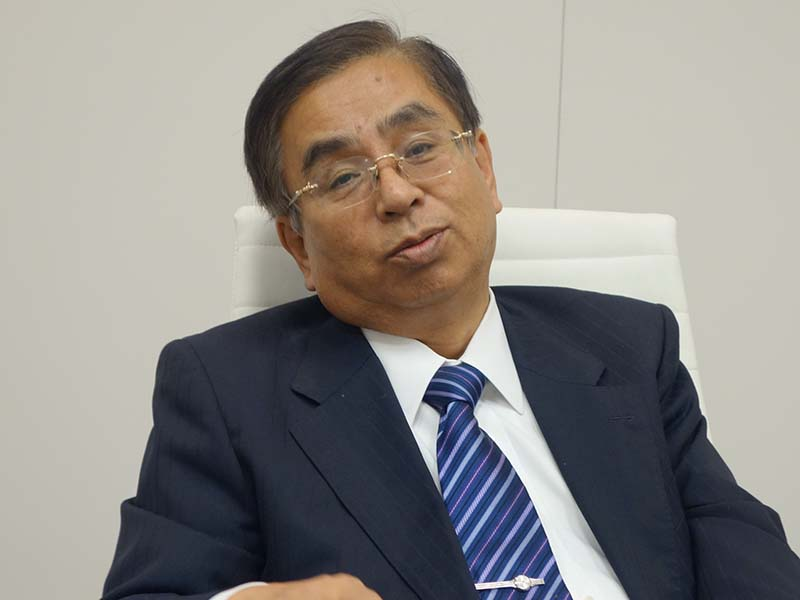 シャープ 技術担当副社長執行役員の水嶋繁光氏。