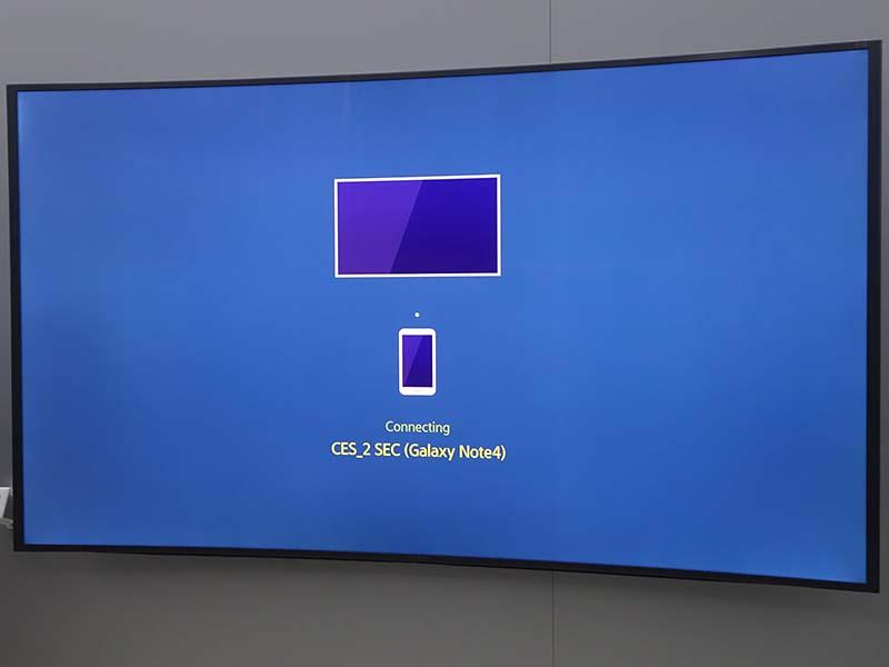 サムスン電子のTizen搭載テレビで、スマホからのフックによって画像を表示しようとしたときの画面。テレビOSに基本機能として組み込まれており、番組視聴中でも自動的に表示が切り替わる
