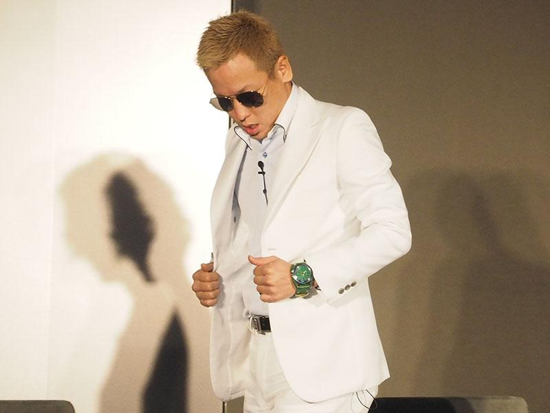 本田圭佑選手のモノマネで登場したじゅんいちダビッドソン