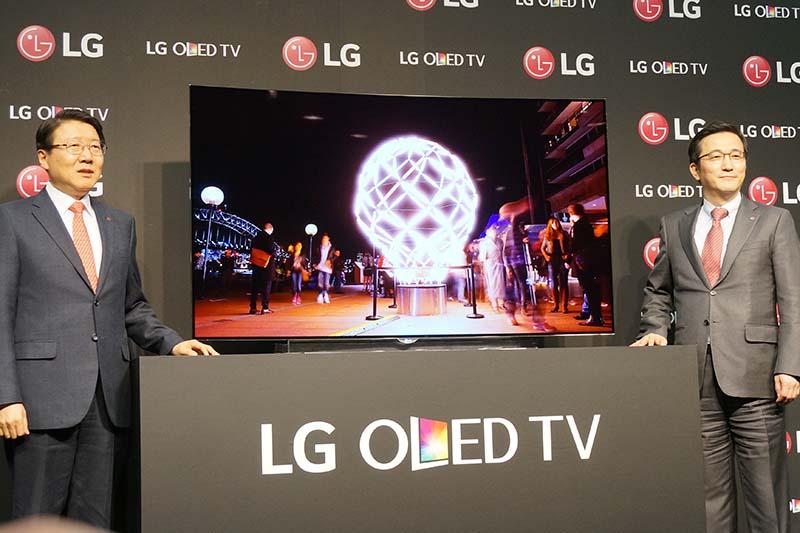 LGエレクトロニクス・ジャパン慶甲秀社長(左)と、LGエレクトロニクス李仁奎専務(右)
